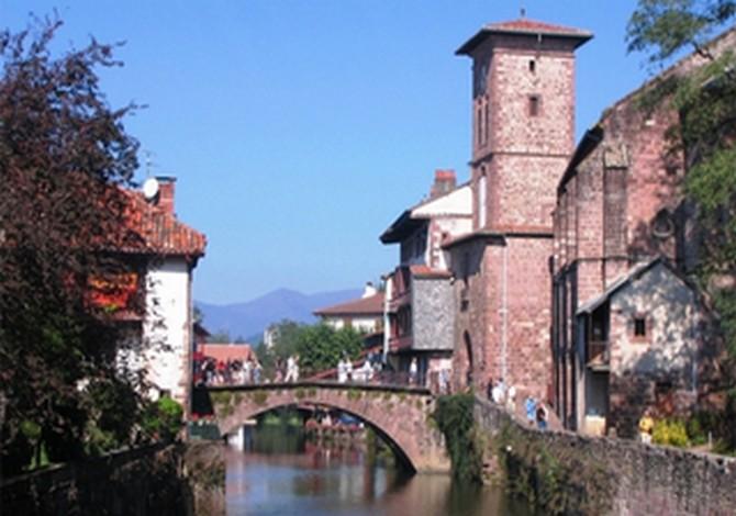 Location vvf villages garazi annule location vacances - Location vacances st jean pied de port ...