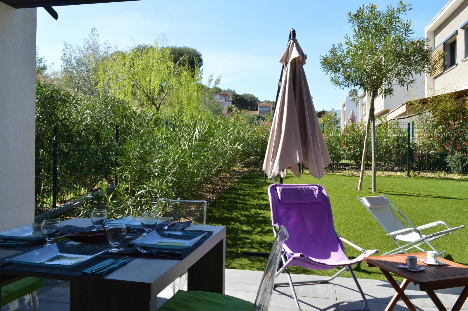 Location appartement tahiti parc location vacances le lavandou - Camping les jardins de la mer antibes ...