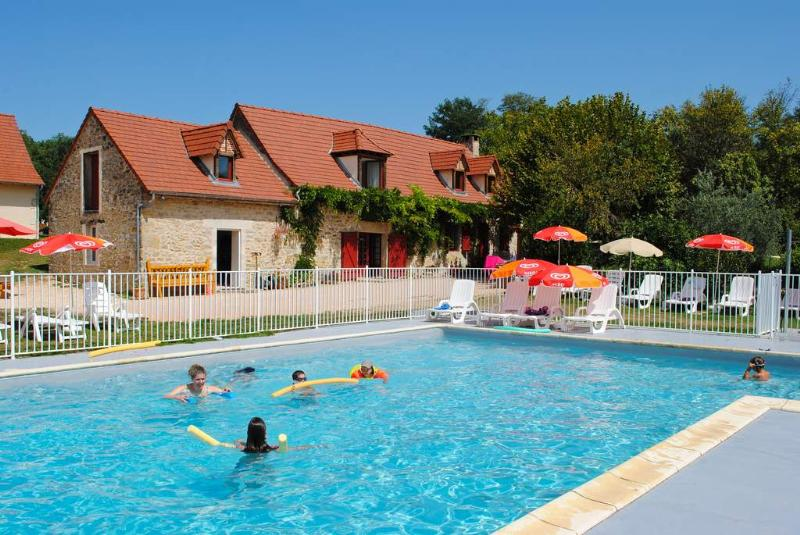 Location camping padimadour location vacances rocamadour for Camping rocamadour piscine