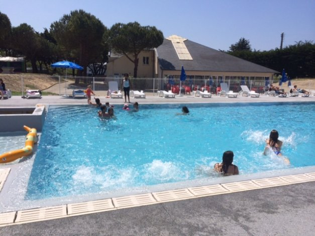 Location camping le bois d 39 amour location vacances for Camping piscine quiberon