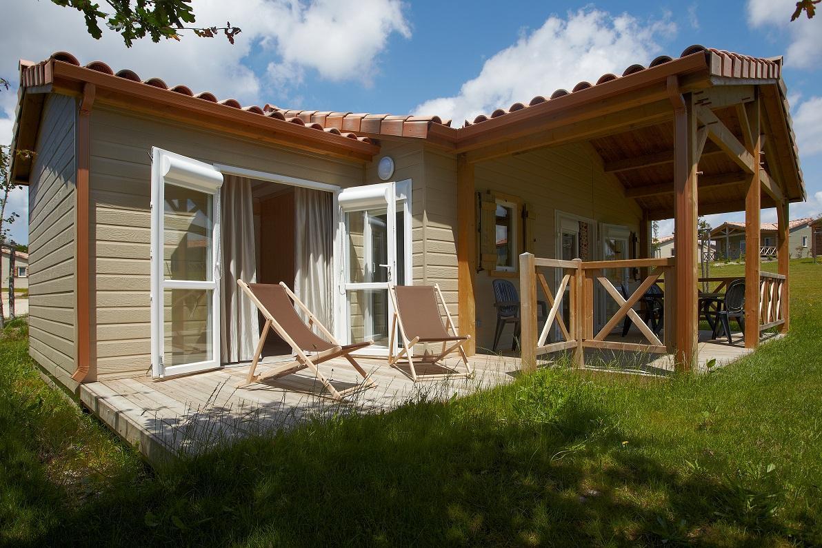 location camping domaine du pr location vacances la. Black Bedroom Furniture Sets. Home Design Ideas