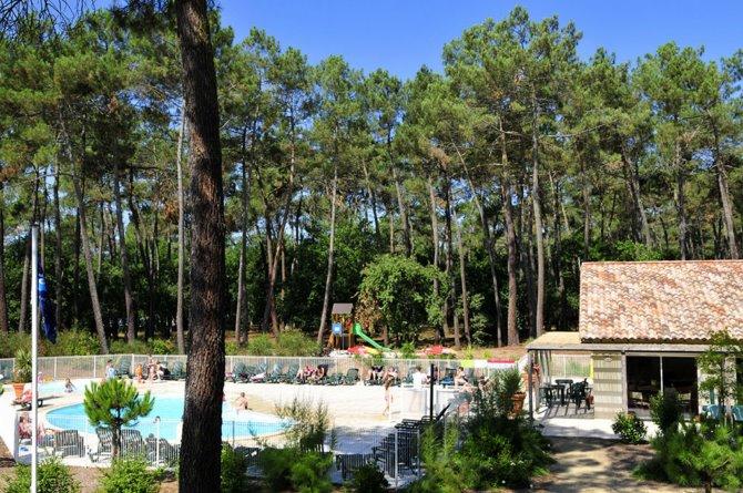 Location les demeures du lac 3 location vacances for Casteljaloux piscine