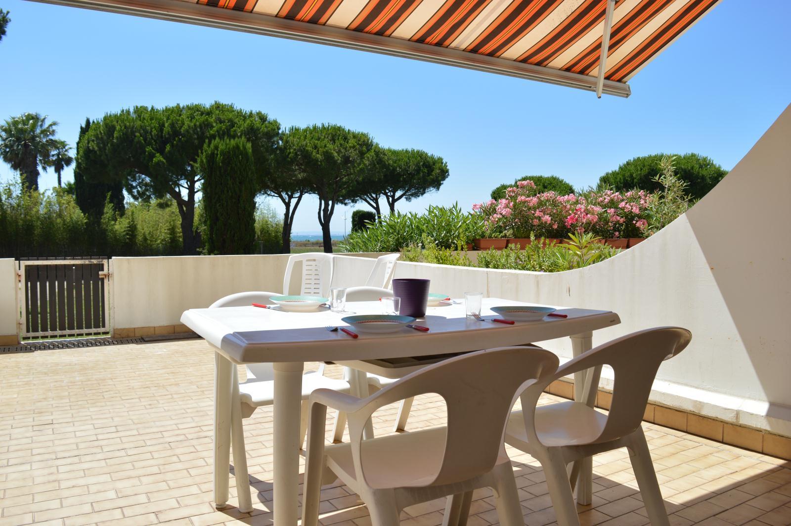 location golfe vermeil location vacances port camargue. Black Bedroom Furniture Sets. Home Design Ideas