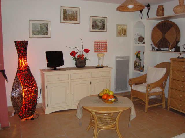 location las palmas location vacances cavalaire sur mer. Black Bedroom Furniture Sets. Home Design Ideas