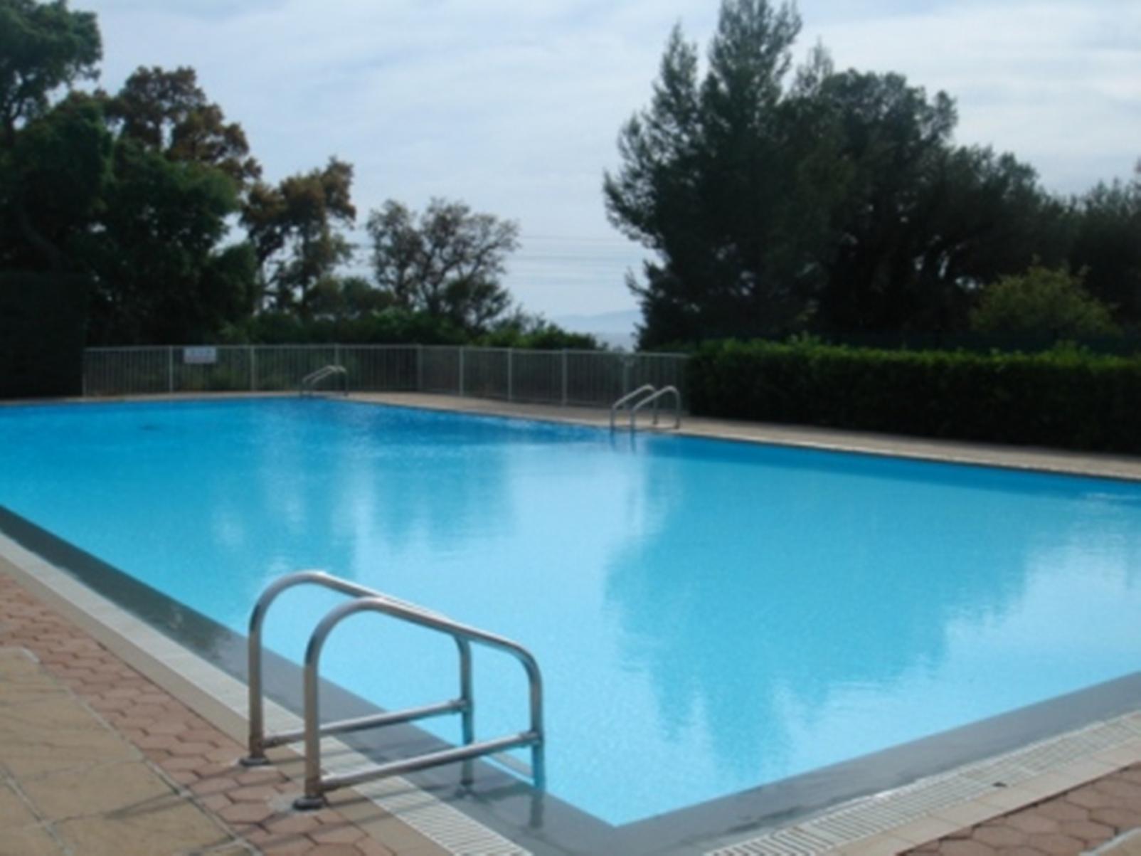 Location le boulouris panorama location vacances saint for Piscine saint raphael