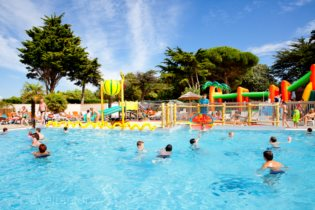 Camping ile de r location mobil home ile de r pas cher for Camping ile de re avec piscine