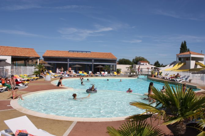 Location camping loyada 4 location vacances talmont for Piscine st hilaire