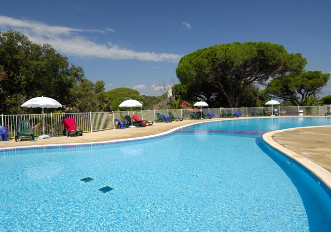 Location r sidence le domaine des eucalyptus location for Camping st aygulf avec piscine