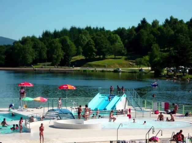 Location village vacances les demeures du lac location for Piscine du lac tours tarif