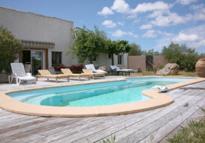 Location villa ac3554 villa avec piscine u campagninu location vacances figari for Villa vacances piscine