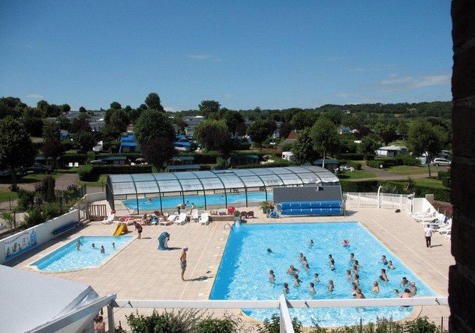 Location camping la vall e location vacances houlgate for Camping piscine normandie