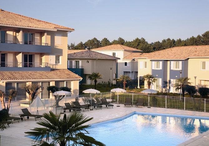 location r sidence park suites village saint jean d 39 illac location vacances. Black Bedroom Furniture Sets. Home Design Ideas