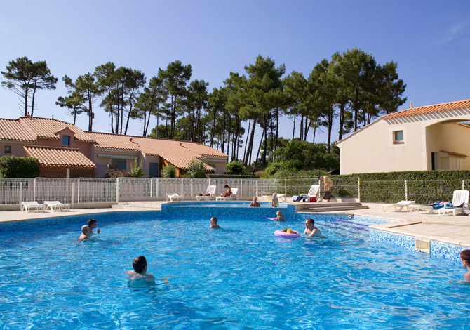 Location r sidence lagrange vacances les mas de vertmarine for Piscine st jean de monts