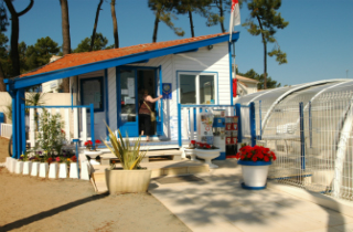 location camping les flots bleus location vacances la faute sur mer. Black Bedroom Furniture Sets. Home Design Ideas