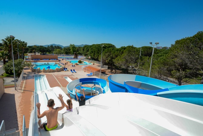 Camping Parc Saint James Oasis Village 5*