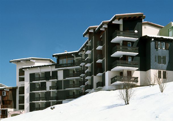 Location appartements meije 5 location vacances les deux for Piscine les deux alpes