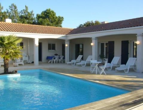 Location grande et belle maison r cente avec piscine - Maison a louer barcelone avec piscine ...