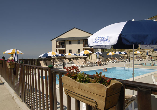 Location r sidence mille soleils location vacances font for Piscine font romeu