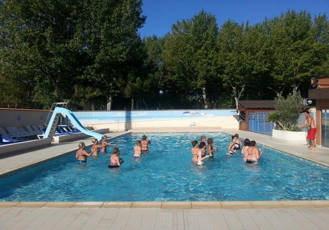 Location camping abri de camargue location vacances for Camping grau du roi bord de mer avec piscine