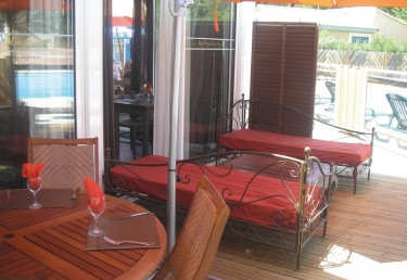 camping pas cher pont du gard gaujac promo camping pont du gard gaujac. Black Bedroom Furniture Sets. Home Design Ideas