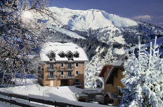 Residence Lagrange Vacances Les Arolles 3* - Hebergement + Forfait remontee meca