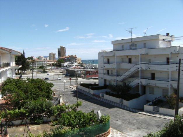 Location appartements cache cash l 39 escala location for Cash piscine espagne