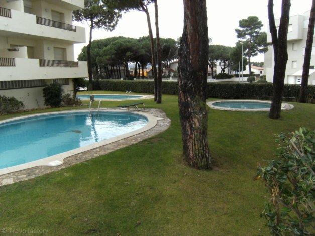 Location appartements cache cash avec piscine l 39 escala for Promotion cash piscine