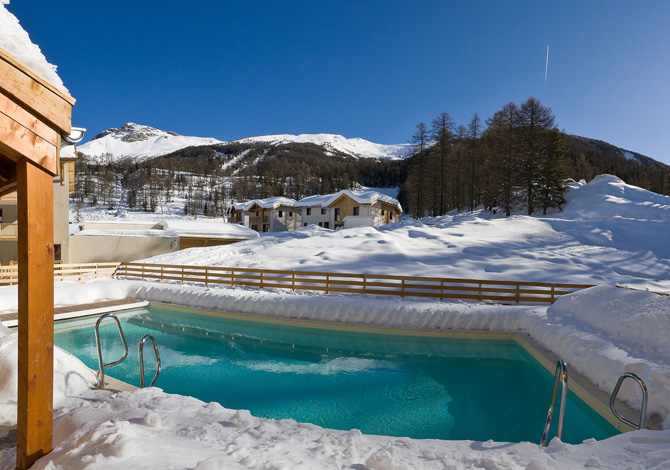 Location r sidence la combe d 39 or location vacances for Piscine 2 alpes