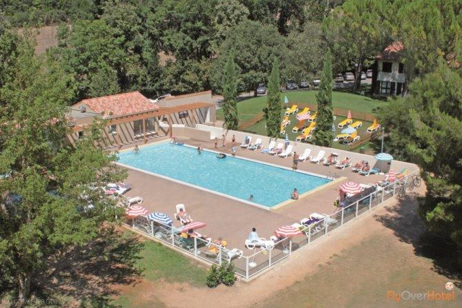 Location h tel club domaine de ch teau laval 3 location for Club piscine laval autoroute 15