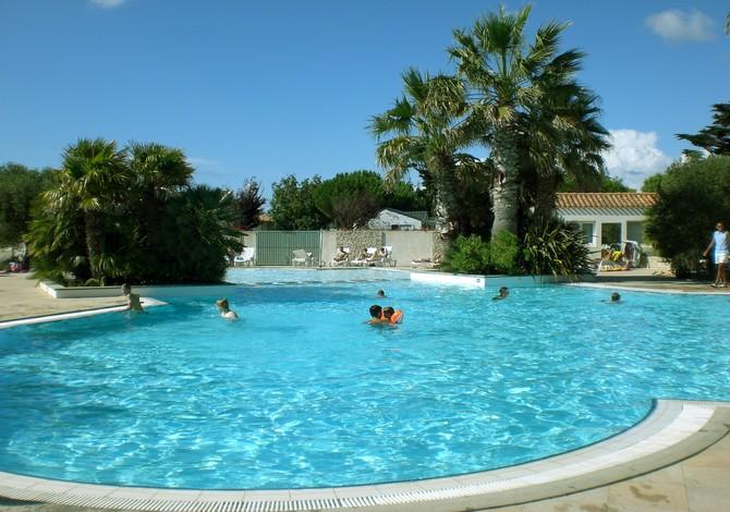 Location camping de l 39 oc an location vacances ile de r - Camping ile de re piscine ...