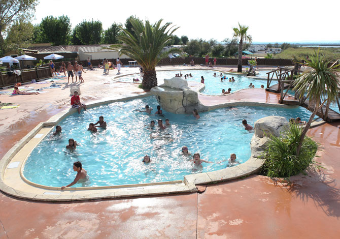 Location camping montpellier plage location vacances for Camping veules les roses avec piscine