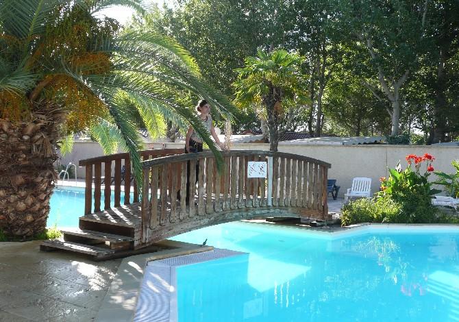Location camping l 39 eden location vacances le grau du roi for Camping grau du roi bord de mer avec piscine