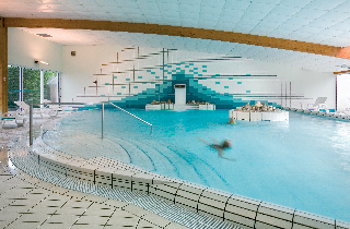 Location h tel ibis thalassa sea spa quiberon for Piscine quiberon