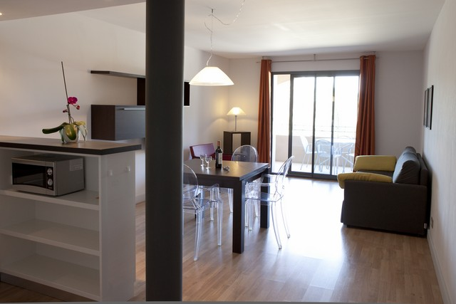 location r sidence le mas de valrugues location vacances saint r my de provence. Black Bedroom Furniture Sets. Home Design Ideas