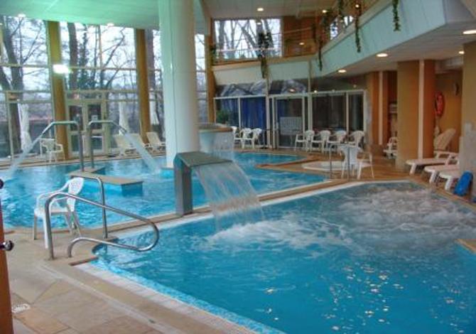 Hotel avec piscine aix les bains file h tel splendide for Piscine aix les bains