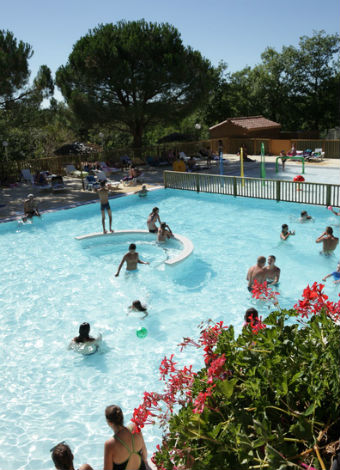 Location camping les reflets du quercy location vacances for Camping cahors piscine