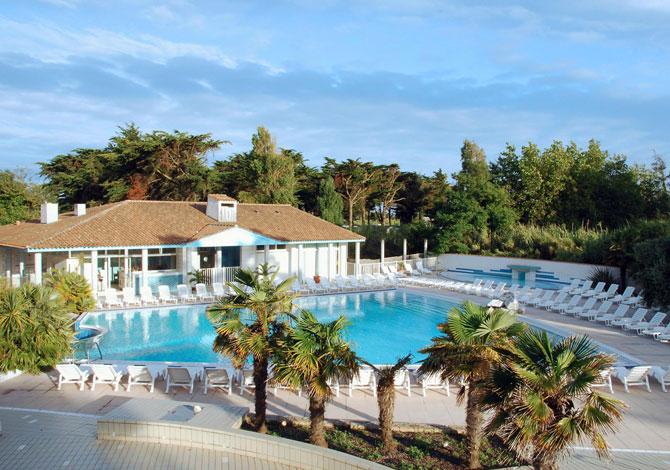 Location camping les grenettes location vacances ile de r - Camping ile de re piscine ...
