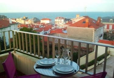 petit casino biarritz lahouze