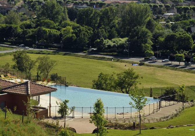 Location domaine saint est ve location vacances for Piscine st esteve