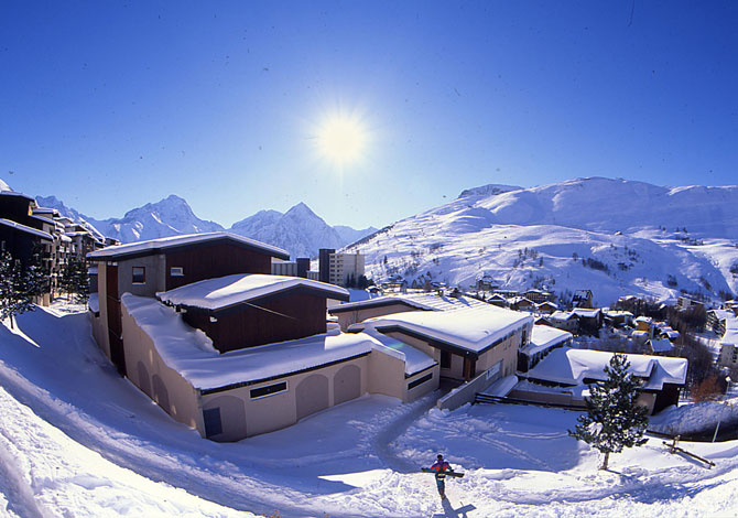 Location r sidences les 2 alpes 1800 location vacances for Piscine les deux alpes