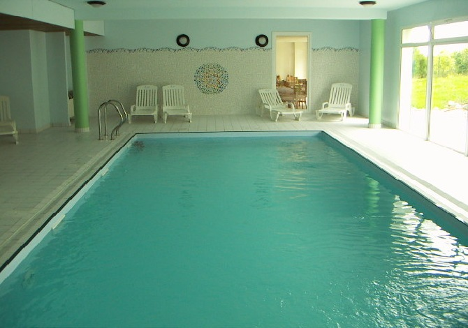 Location r sidence club le royal location vacances mooslargue for Residence piscine couverte
