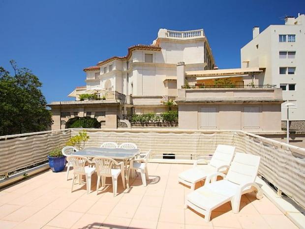 location les jardins du prince location vacances biarritz. Black Bedroom Furniture Sets. Home Design Ideas