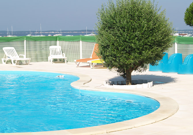 Location r sidence l 39 oc ane location vacances andernos for Piscine andernos
