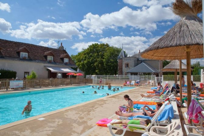 Location camping parc de la grenouill re location for Piscine la grenouillere