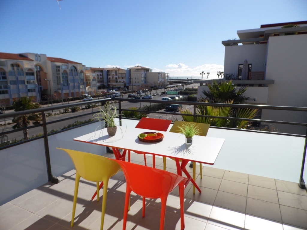 Location appartements royal villeroy location vacances s te for Piscine fonquerne sete