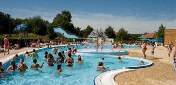 Location camping champ d 39 ete location vacances for Piscine pont de vaux