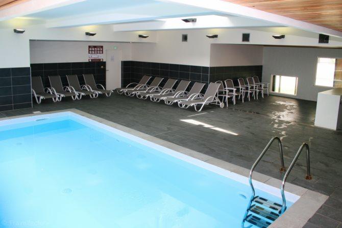Location appart 39 h tel confluence location vacances lyon for Hotel lyon avec piscine