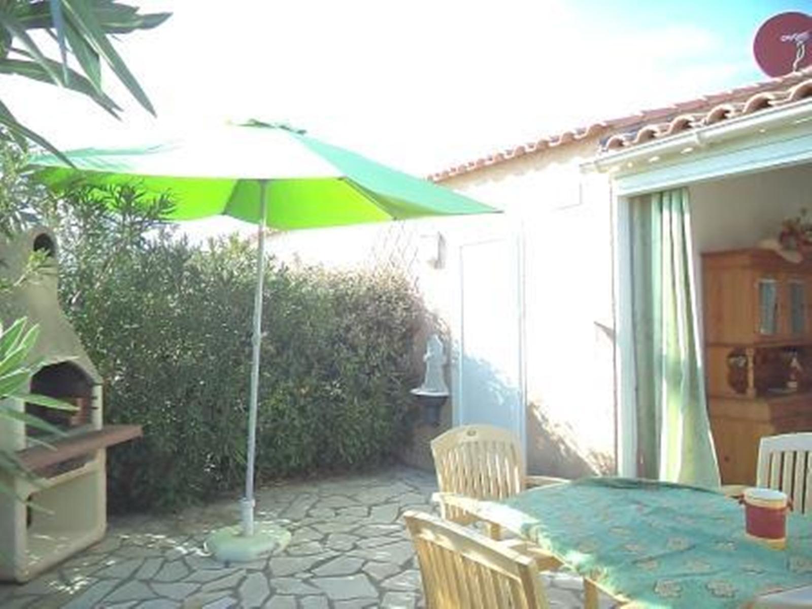 Location ile bleue location vacances gruissan for Piscine ile bleu seynod