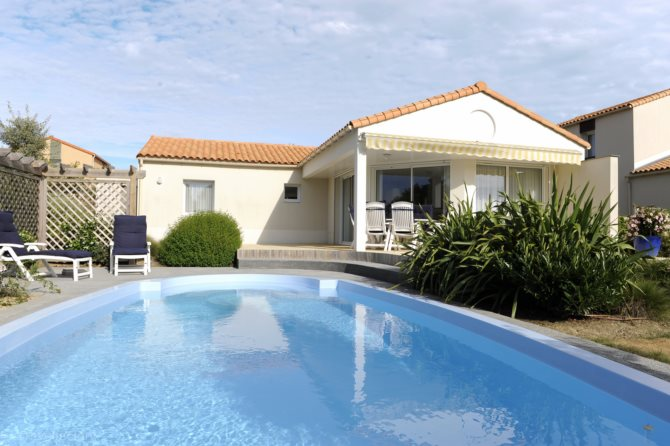 Location villas les jardins du ch teau d 39 olonne location for Piscine chateau d olonne