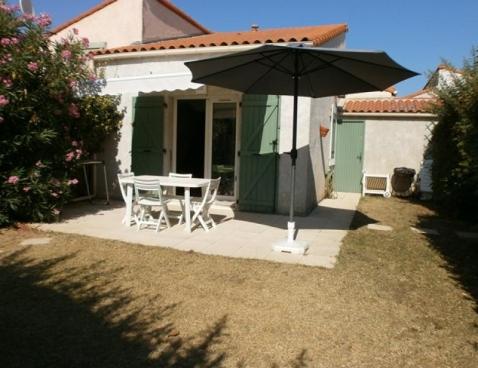 Location les maisons du soleil 58 location vacances vic for Maison vic la gardiole